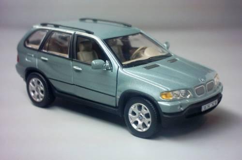BMW X5 (E53) (2000)